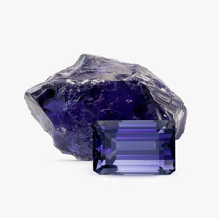 Камень иолит натуральный